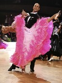 Tanzpaar baut Serie aus