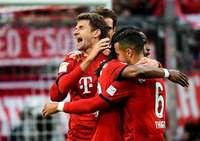 Bayern schießen sich mit einem 6:0 gegen Wolfsburg an die Tabellenspitze