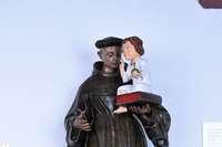 Antonius von Padua findet sich in vielen Kirchen, weil er als Helfer sehr gefragt ist