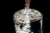 Ist Mineralwasser gesünder als Leitungswasser?