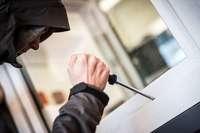 Einbrecher drangen in ein Haus in Tüllingen ein und entwendeten Bargeld und einen Laptop
