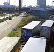 Lastwagen am Zoll zwischen Basel und Saint-Louis werden vorsortiert