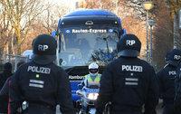 Gebühren für Polizeikosten bei Risikospielen im Fußball grundsätzlich möglich