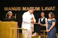 Die Gundelfinger Theatermacher bringen Gott vor Gericht