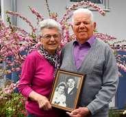 """""""Reden und zusammenhalten"""" – Paar spricht über 65-jähriges Ehejubiläum"""