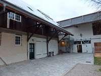 Auf dem Waidhof soll ein Café mit Blick auf die Stallungen entstehen