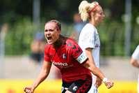 Clara Schöne, Kapitänin der Fußballerinnen des SC Freiburg, hat das Pokalfinale im Blick