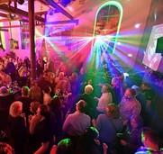 Clubatmosphäre mit DJ Patrick Strub im Schlachthof