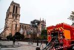 Fotos: Der Morgen nach dem Brand von Notre-Dame