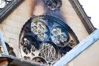 """Notre-Dame und der Wiederaufbau: """"Schöner denn je"""" oder mit den Wunden der Zerstörung?"""