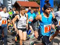 Fotos: 2689 Läufer rennen beim Schluchseelauf 2019 um den See