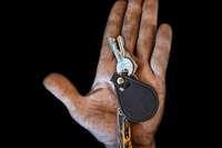 """Fotoausstellung """"Keys of Hope"""" erinnert an den Kriegsalltag in Syrien"""