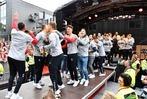 Fotos: Die Freiburger Mannschaft feiert mit den Fans den Saisonabschluss