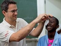 Afrikanische Lebensfreude schenken und erhalten: Bericht über die Arbeit der Christoffel-Blindenmission