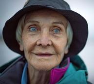 Die alte Dame und der Berg