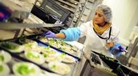 Lufthansa will nicht mehr selbst kochen