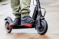 E-Scooter können eine Alternative zum Auto werden, aber es gibt auch Risiken