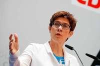 Regeln für Youtuber im Wahlkampf? CDU-Chefin löst heftige Debatte aus