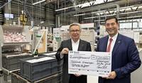 Firma Fischer spendet 20 000 Euro an die Gemeinde