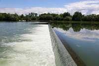 Taucher suchen weiter nach vermisstem Mädchen auf dem Rhein