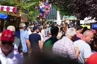 Schattenplätze sind begehrt beim Rheinfelder Cityfest