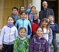 Besonderer Tag für Kinder und Mönche