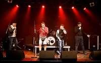 Die fünf Bands auf der Bühne einte die Abneigung gegen Rechts