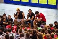 SC-Spieler Nicolas Höfler war zu Gast in der Gemeinschaftsschule am Bürgle