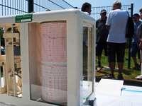 Helmut Kohler zeigt Lesern seine Wetterstation in Rheinfelden