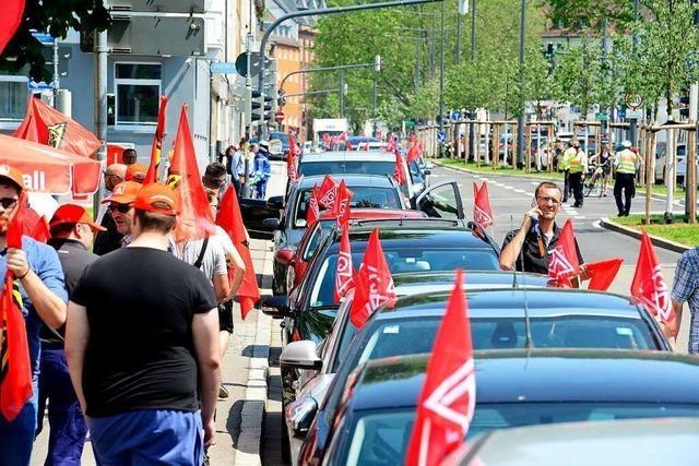 Nach Autokorso-Demo: IG Metall führt Tuesdays for Past ein