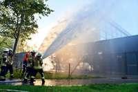 So hat die Feuerwehr bei der Suche nach dem Leck in der Staschull-Halle geholfen
