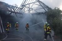 Zwei Scheunenbrände in Herbolzheim innerhalb einer Viertelstunde