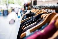 Wo es in Freiburg Mode für den schmalen Geldbeutel gibt