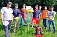 Im Freiburger Dietenbachpark kann man seit Februar Disc-Golf spielen