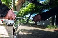 Unbekannte Täter zerkratzen in Freiburg mehrere Autos