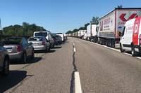 Auto überschlägt sich nach Sekundenschlaf des Fahrers – A5 zeitweise gesperrt