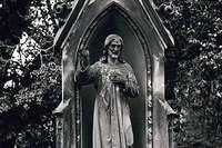 Vom Alten Friedhof sind jetzt Fotos aus den 1980er-Jahren im Internet
