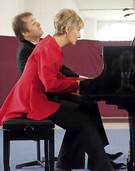"Klavierduo Egri & Pertis bei ""Klassik im Krafft-Areal"" in Schopfheim"