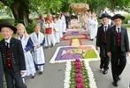 Fotos: Blüten, Bier und Blasmusik an Fronleichnam im Südlichen Breisgau