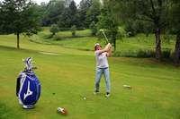 Wie es sich auf der auf der Neunloch-Anlage in Schönau golft