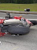 Motorradfahrer übersieht Auto