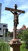 Kreuz wieder aufgestellt