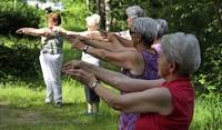 Auch im Alter fit und gelenkig bleiben