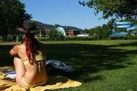 Volles Strandbad: Horn gibt Leerstandskataster für Liegewiese in Auftrag