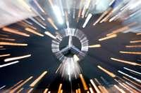 Goldener Mercedes soll auf A 98 zwischen zwei Autos überholt haben