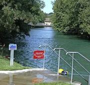 Schwimmen im Fluss