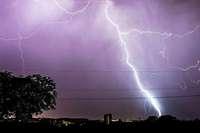 Blitzeinschläge und Bahnprobleme in Baden-Württemberg
