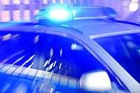 Fahrer beschädigt mehrere geparkte Fahrzeuge