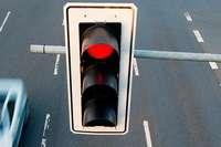 Autofahrer missachtet rote Ampel in Bötzingen und verursacht Unfall