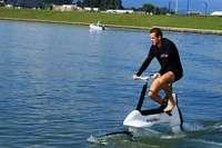 E-Bike fürs Wasser sorgt für Verwunderung